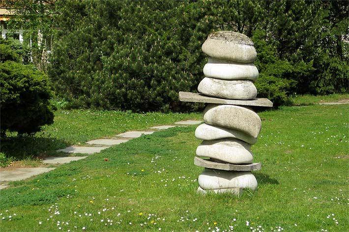 Steinobjekte - Steinskulpturen - Steinfiguren